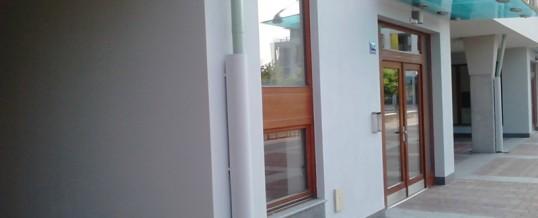 Fasáda bytového domu, Dolní Břežany: Malba