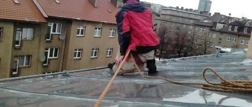 Čištění střechy, Praha: Shazování ledu